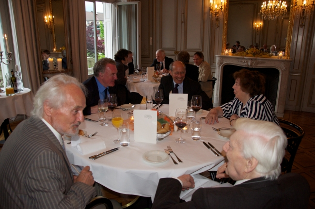 Prof. Dr. Wilhelm K. Essler and Prof. Sir Michael Dummett during the dinner