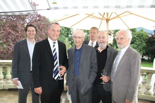 Frauchiger, Wüthrich, Putnam, Schulthess, Travis, Essler at the cocktail reception