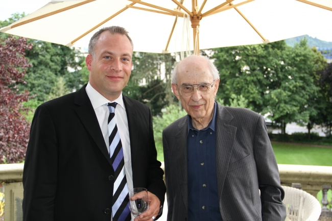 Prof. Dr. Christian Wüthrich and Prof. Dr. Hilary Putnam at the cocktail reception